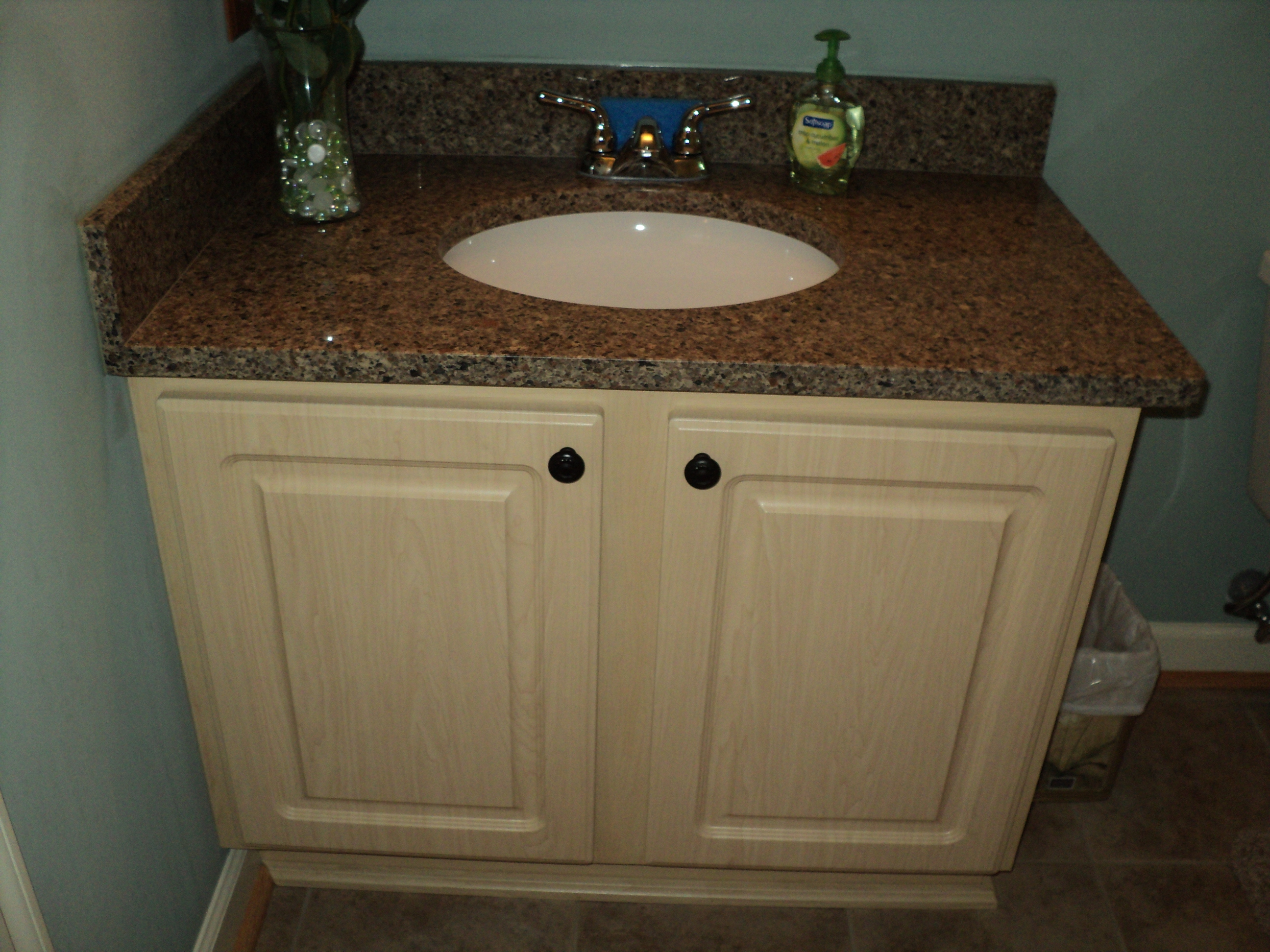 Can i reface my bathroom vanity thecabinetremodeler for Bathroom cabinets refacing